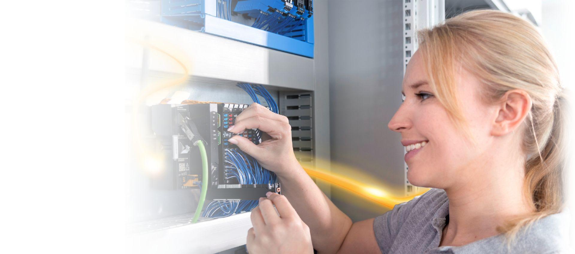 PLC– řídící systém